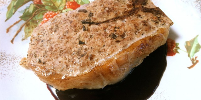 2922. Côtes de Porc Grand'mère, Ground Pork Chops
